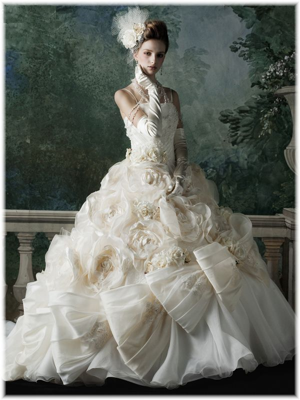 Awesome Wedding Dresses - Page 117 of 223
